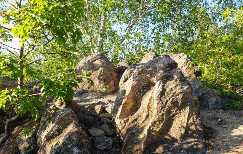 Ebéd előtti séta a Tigrisköveknél a Hármashatár-hegyen sokáig fiataloknak (10.27)